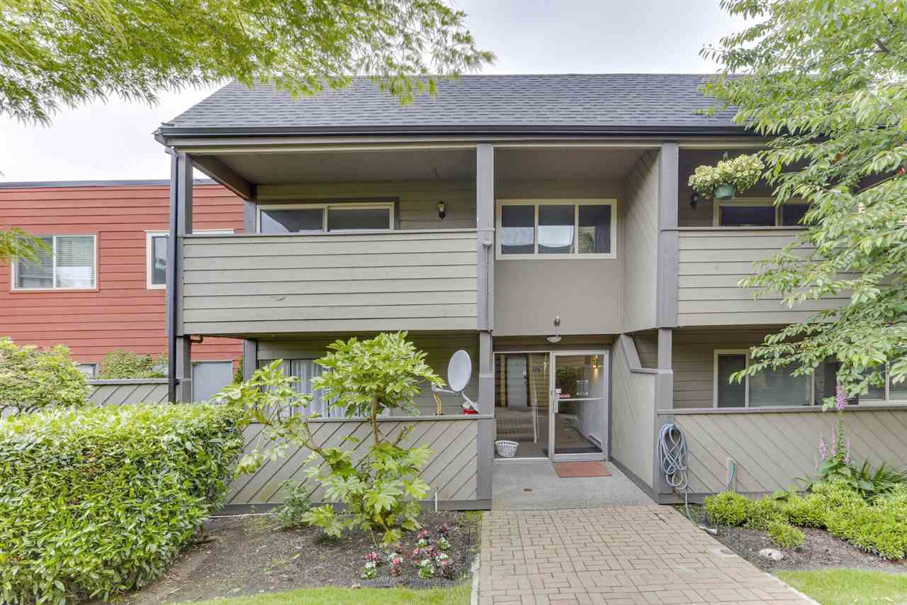 Main Photo: 250 5421 10 AVENUE in Delta: Tsawwassen Central Condo for sale (Tsawwassen)  : MLS®# R2465347