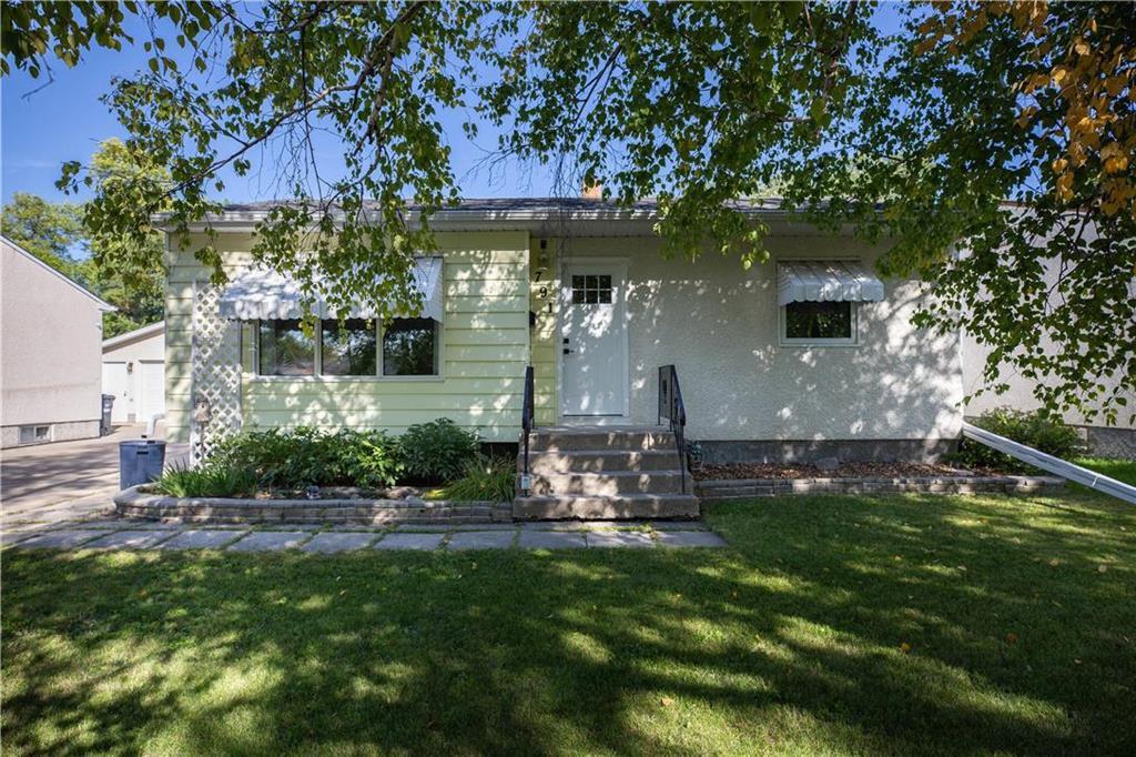 Main Photo: 791 Autumnwood Drive in Winnipeg: Windsor Park Residential for sale (2G)  : MLS®# 202023248