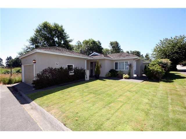 Main Photo: 5678 WELLSGREEN Place in Tsawwassen: Tsawwassen East House for sale : MLS®# V898634