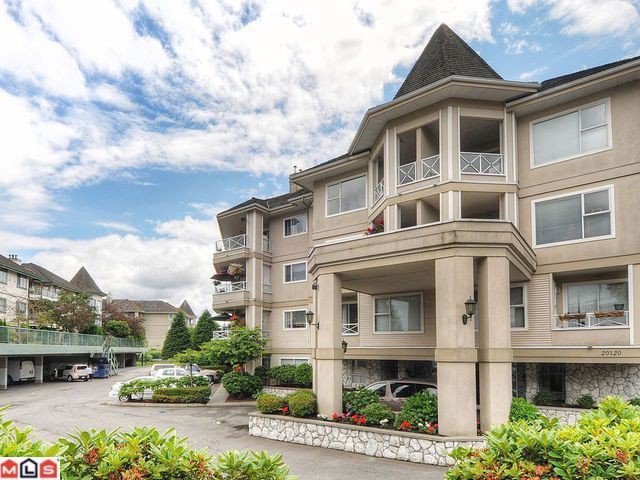 "Main Photo: 205 20120 56 Avenue in Langley: Langley City Condo for sale in ""Blackberry Lane"" : MLS®# F1120563"