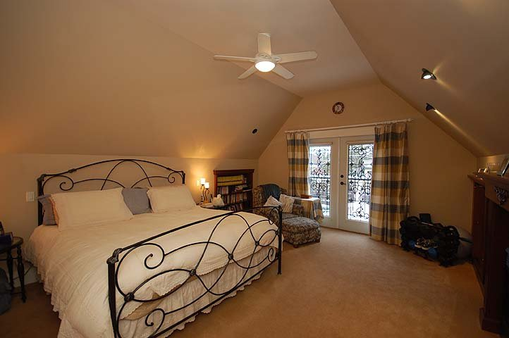 """Photo 13: Photos: 214 6TH Avenue in New Westminster: Queens Park House for sale in """"QUEEN'S PARK"""" : MLS®# V926048"""