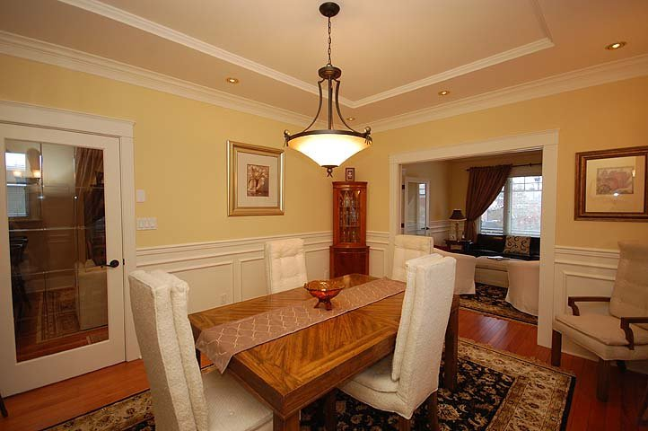 """Photo 5: Photos: 214 6TH Avenue in New Westminster: Queens Park House for sale in """"QUEEN'S PARK"""" : MLS®# V926048"""