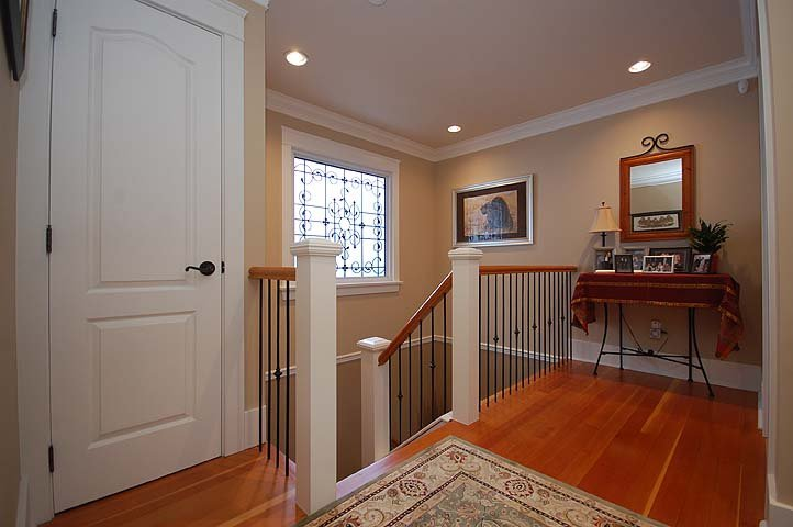"""Photo 9: Photos: 214 6TH Avenue in New Westminster: Queens Park House for sale in """"QUEEN'S PARK"""" : MLS®# V926048"""