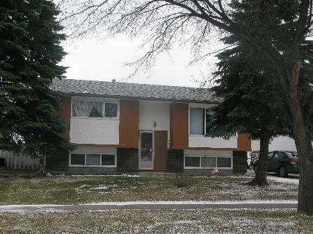 Main Photo: 947 LOUELDA Street in Winnipeg: Residential for sale (Valley Gardens)  : MLS®# 1122769