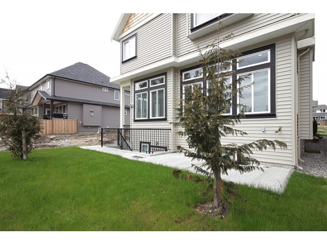 Photo 10: Photos: 7802 211b Street in Langley: Willoughby Heights House for sale : MLS®# F1210586