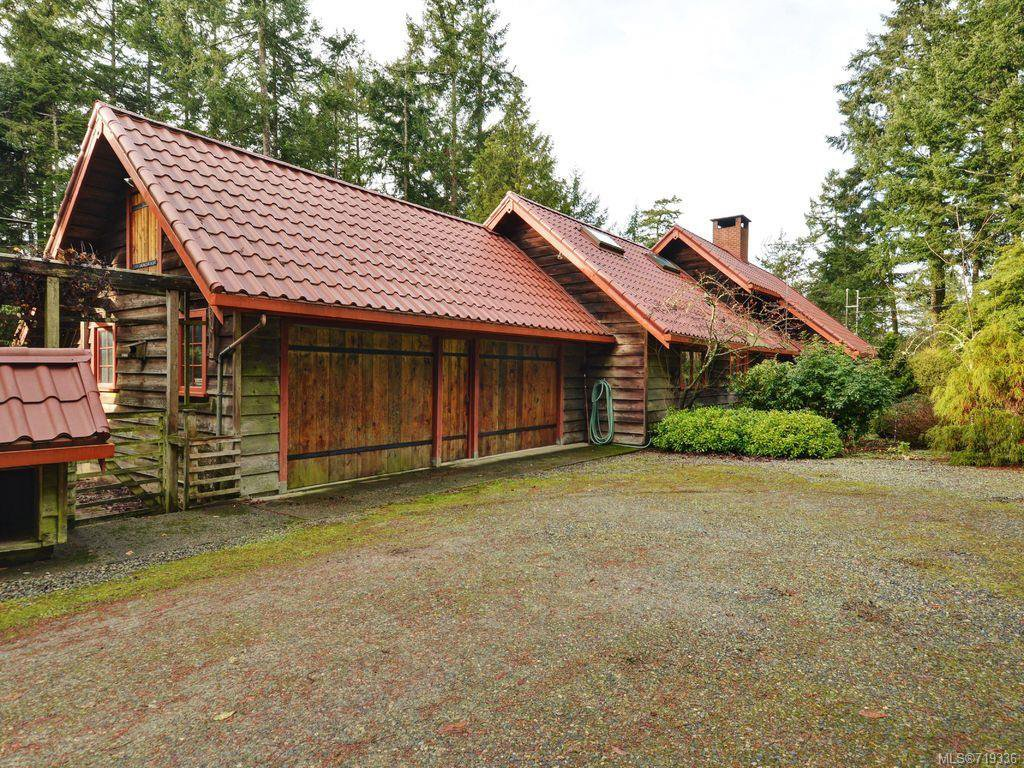 Main Photo: 5916 Bear Hill Rd in VICTORIA: CS Oldfield House for sale (Central Saanich)  : MLS®# 719336