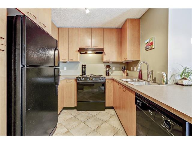 Photo 10: Photos: 216 5115 RICHARD Road SW in Calgary: Lincoln Park Condo for sale : MLS®# C4049301