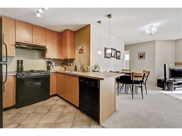 Photo 4: Photos: 216 5115 RICHARD Road SW in Calgary: Lincoln Park Condo for sale : MLS®# C4049301