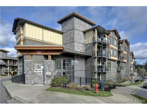 Main Photo: 301 3210 Jacklin Rd in VICTORIA: La Walfred Condo Apartment for sale (Langford)  : MLS®# 725646
