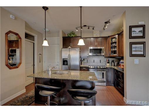 Photo 2: Photos: 301 3210 Jacklin Road in VICTORIA: La Walfred Condo Apartment for sale (Langford)  : MLS®# 362281