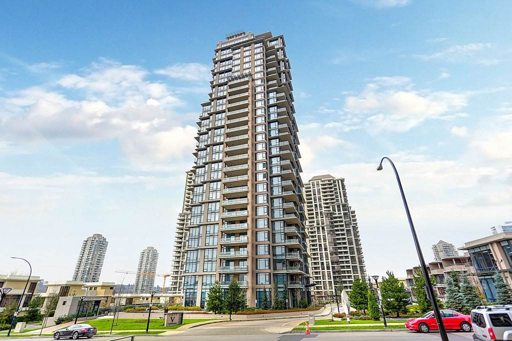 Main Photo: 1605 2077 ROSSER AVENUE - LISTED BY SUTTON CENTRE REALTY in Burnaby: Brentwood Park Condo for sale (Burnaby North)  : MLS®# R2126036