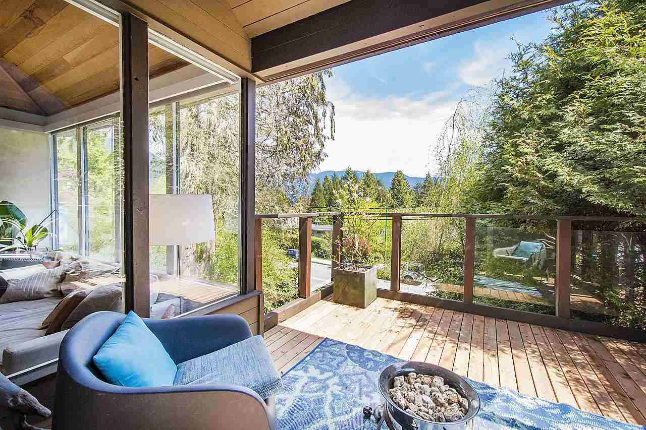 Main Photo: 1967 DEEP COVE Road in North Vancouver: Deep Cove House for sale : MLS®# R2164075