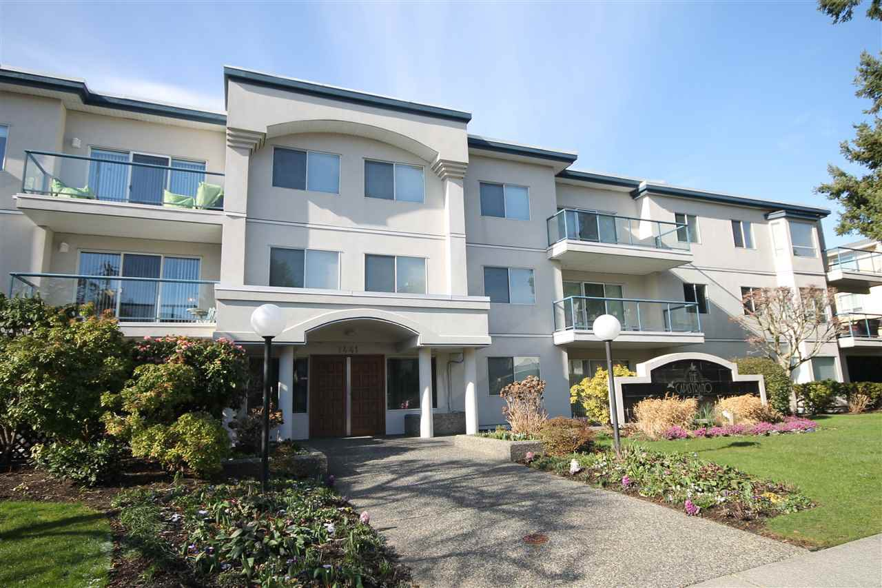 """Photo 2: Photos: 201 1441 BLACKWOOD Street: White Rock Condo for sale in """"The Capistrano"""" (South Surrey White Rock)  : MLS®# R2241993"""