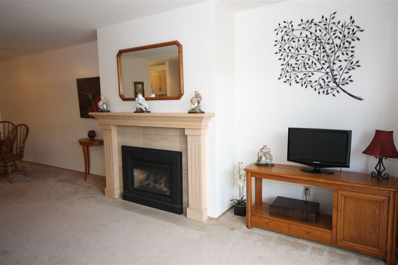 """Photo 5: Photos: 201 1441 BLACKWOOD Street: White Rock Condo for sale in """"The Capistrano"""" (South Surrey White Rock)  : MLS®# R2241993"""