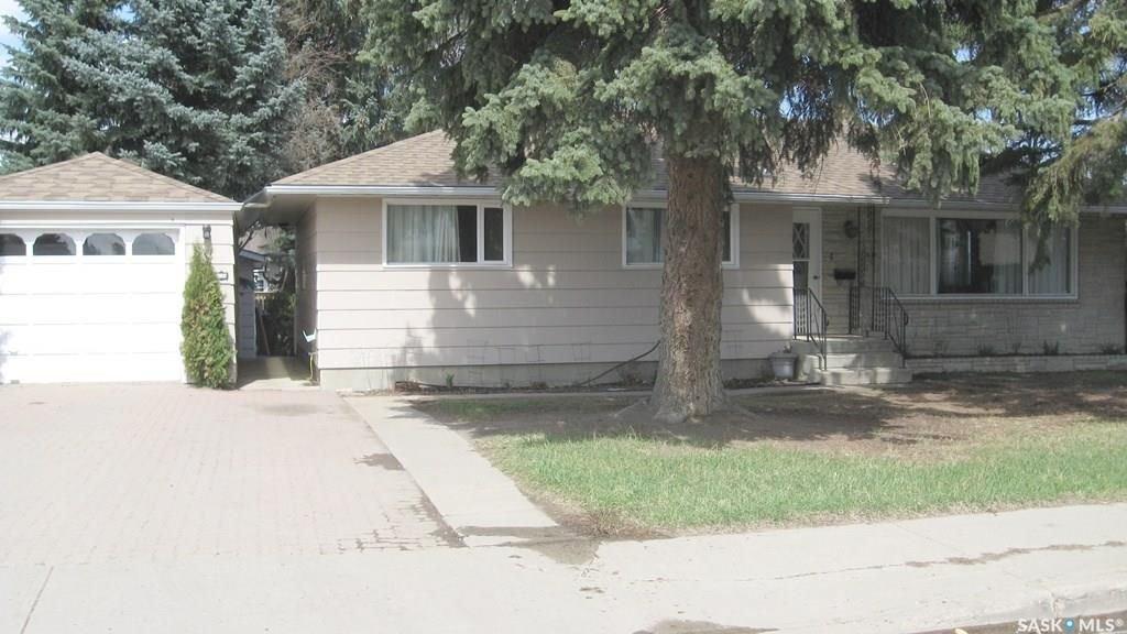 Main Photo: 1034 GRACE Street in Moose Jaw: Palliser Residential for sale : MLS®# SK730182