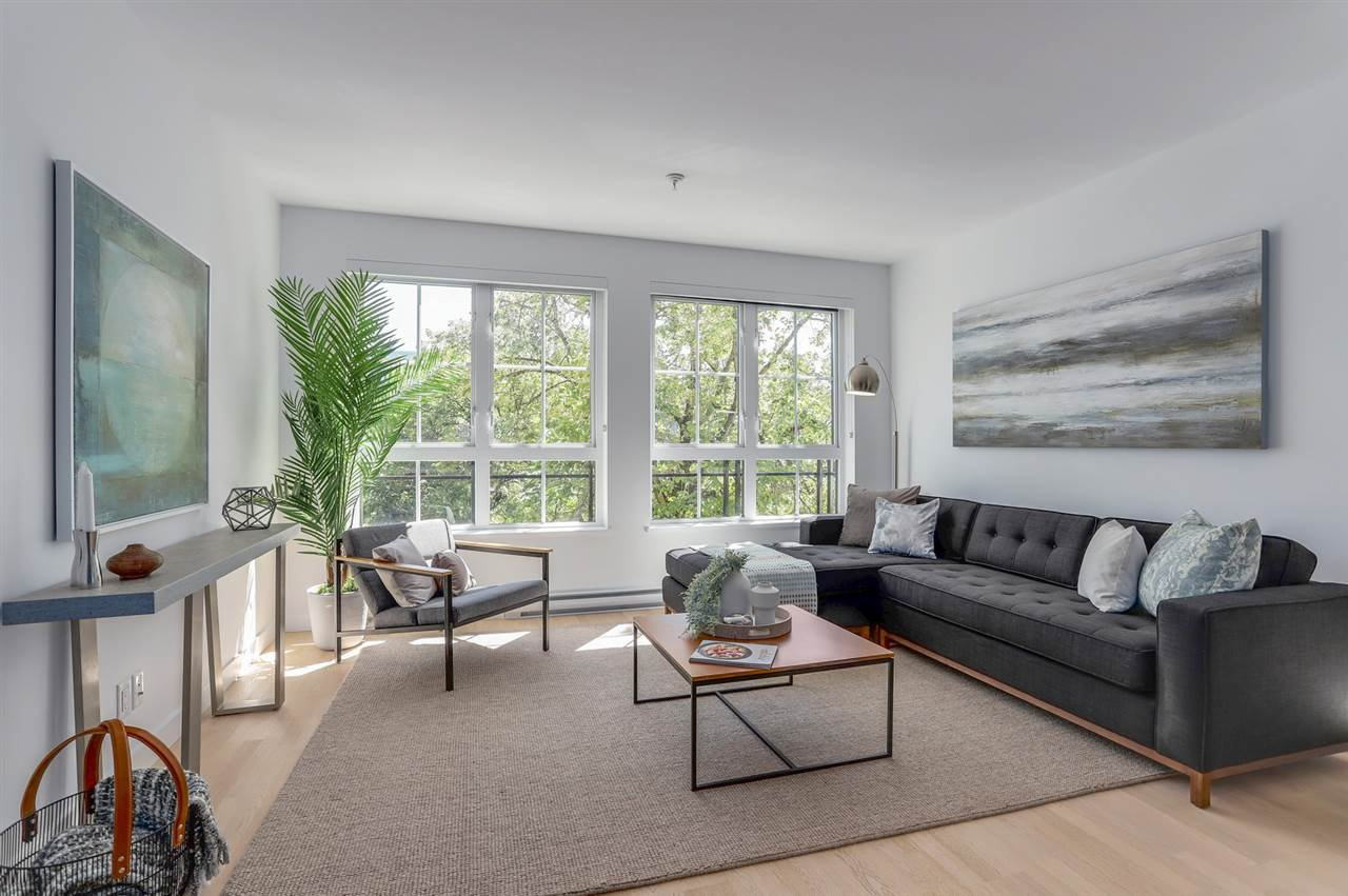 "Main Photo: 308 2468 BAYSWATER Street in Vancouver: Kitsilano Condo for sale in ""BAYSWATER"" (Vancouver West)  : MLS®# R2288941"