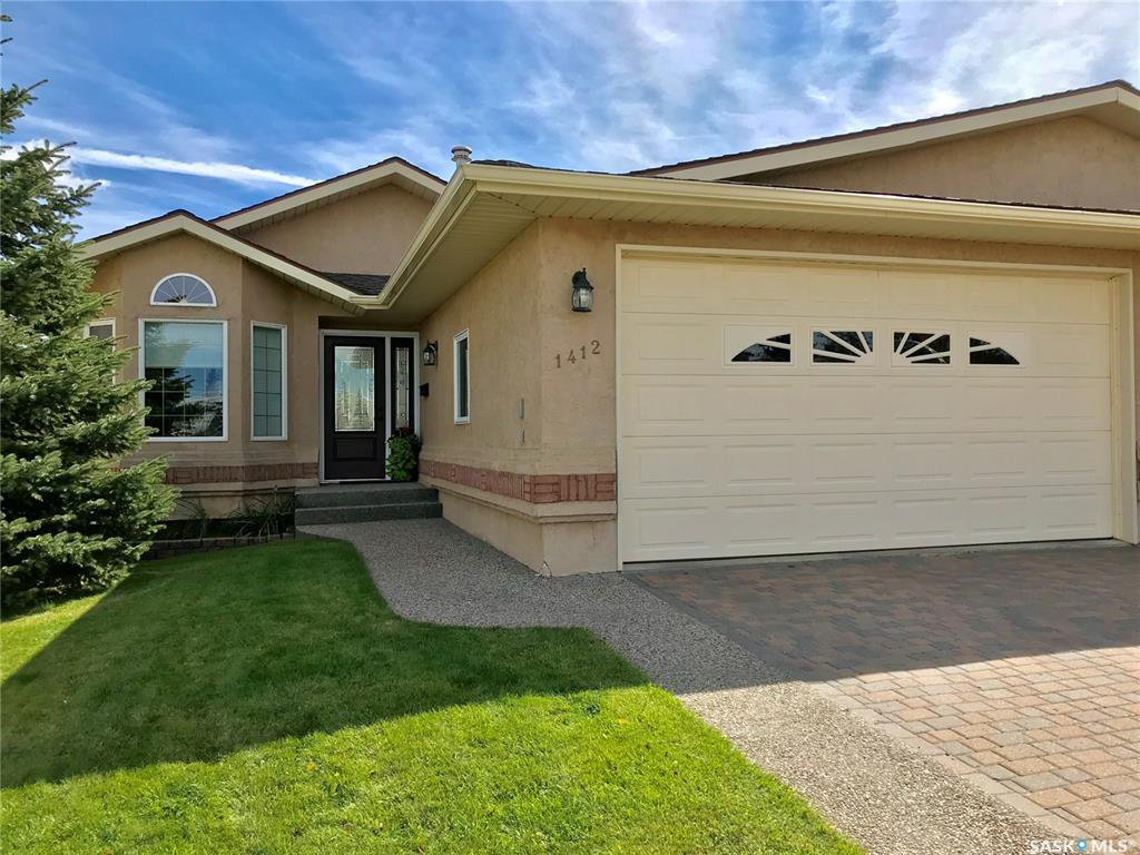 Main Photo: 1412 Elmwood Place in Swift Current: North Hill Residential for sale : MLS®# SK762301