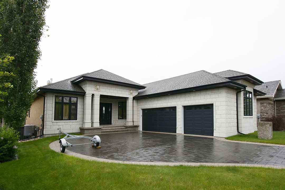 Main Photo: 2 Oak Point: St. Albert House for sale : MLS®# E4153651