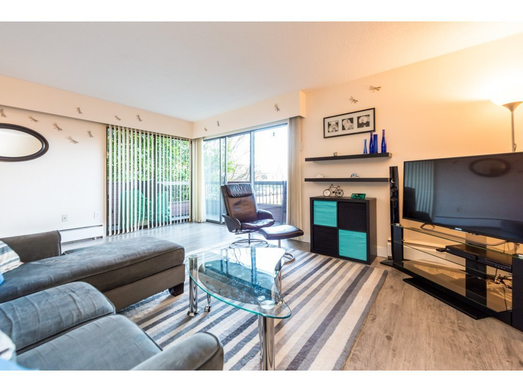 """Main Photo: 201 122 E 17TH Street in North Vancouver: Central Lonsdale Condo for sale in """"IMPERIAL HOUSE"""" : MLS®# R2385723"""