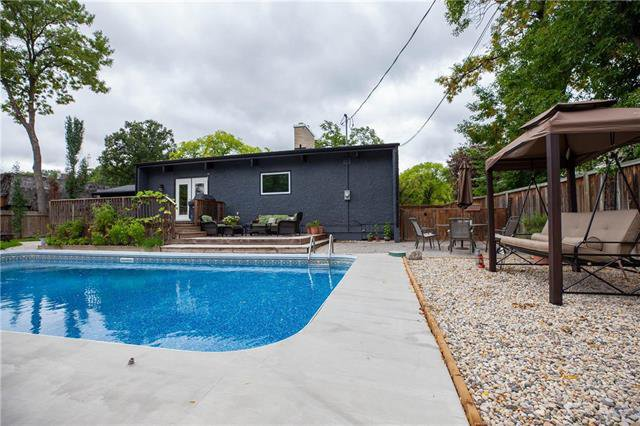 Photo 2: Photos: 94 Woodlawn Avenue in Winnipeg: Residential for sale (2C)  : MLS®# 1925418
