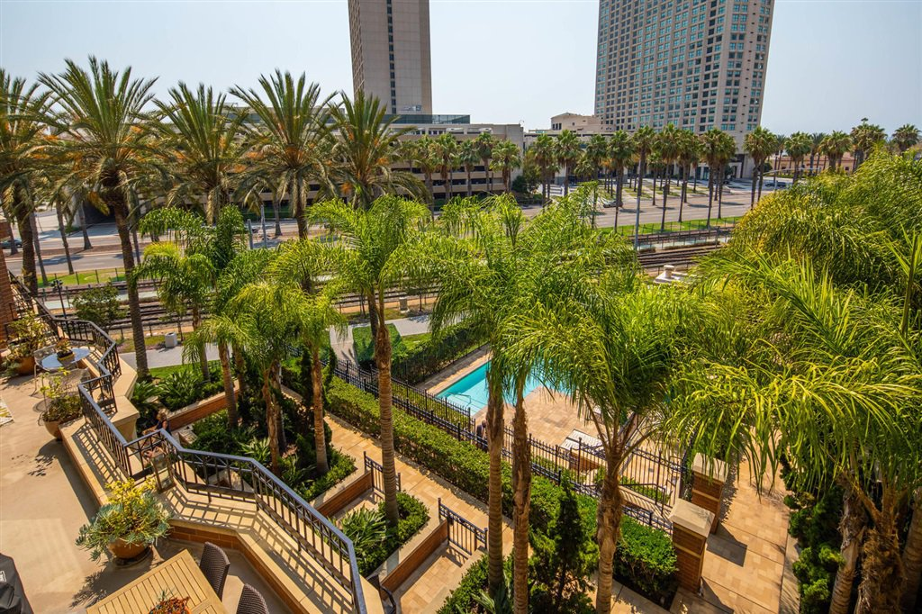 Main Photo: DOWNTOWN Condo for sale : 2 bedrooms : 500 W Harbor Drive #418 in San Diego