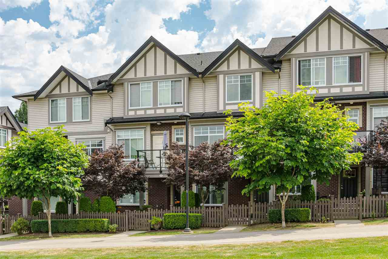 Main Photo: 66 7090 180 Street in Surrey: Cloverdale BC Townhouse for sale (Cloverdale)  : MLS®# R2482696