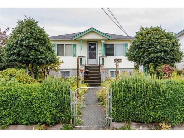 """Main Photo: 952 DANSEY Avenue in Coquitlam: Central Coquitlam House for sale in """"AUSTIN HEIGHTS"""" : MLS®# R2487450"""