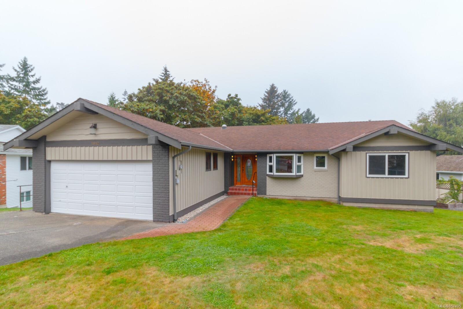 Main Photo: 1812 Pastel Cres in : CS Saanichton House for sale (Central Saanich)  : MLS®# 857495