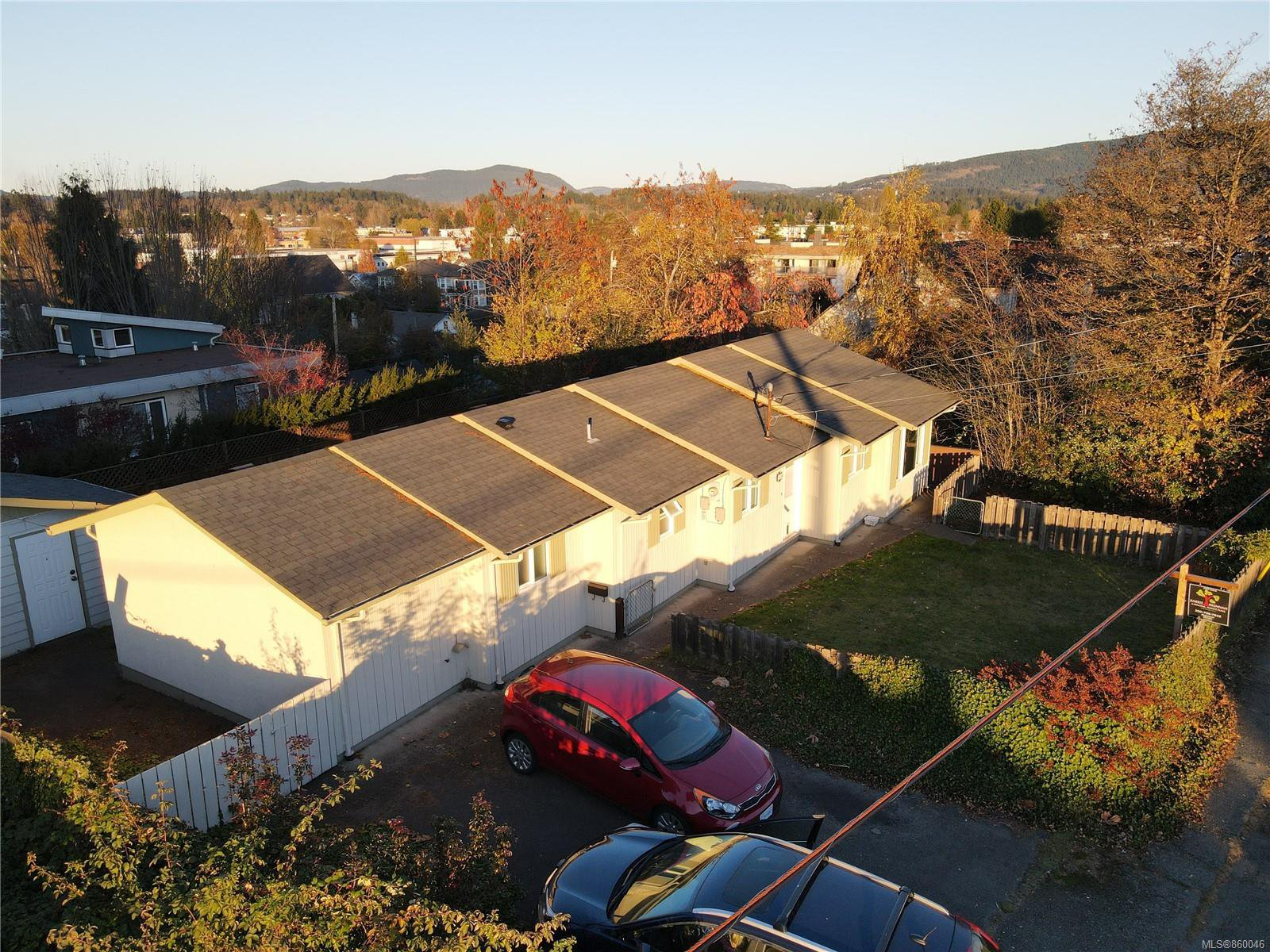 1300 sq ft, fully fenced rancher with parking for 3