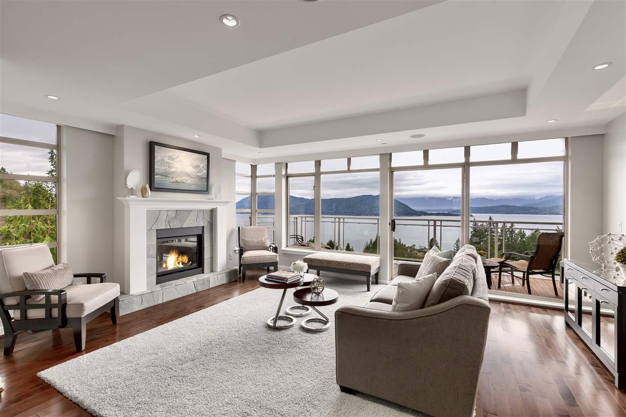 "Main Photo: 8609 SEASCAPE Place in West Vancouver: Howe Sound 1/2 Duplex for sale in ""Seascapes"" : MLS®# R2528203"