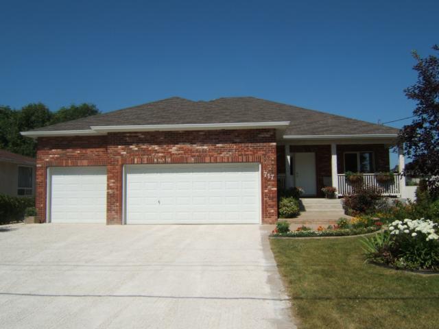 Main Photo: 717 Bonner Avenue in WINNIPEG: North Kildonan Residential for sale (North East Winnipeg)  : MLS®# 1114589
