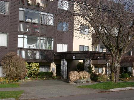 Main Photo: 105-1012 Collinson St in Victoria: Residential for sale (Canada)  : MLS®# 278518