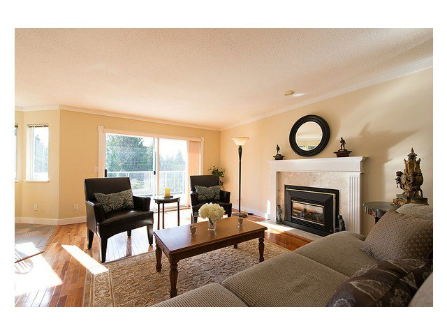 Photo 3: Photos: 929 MELBOURNE AV in North Vancouver: Capilano Highlands House for sale : MLS®# V991503