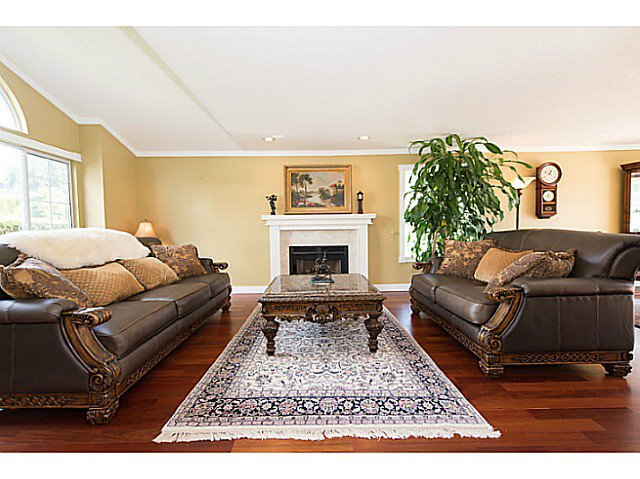 Photo 6: Photos: 929 MELBOURNE AV in North Vancouver: Capilano Highlands House for sale : MLS®# V991503