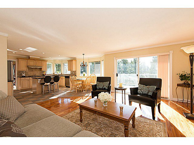 Photo 4: Photos: 929 MELBOURNE AV in North Vancouver: Capilano Highlands House for sale : MLS®# V991503