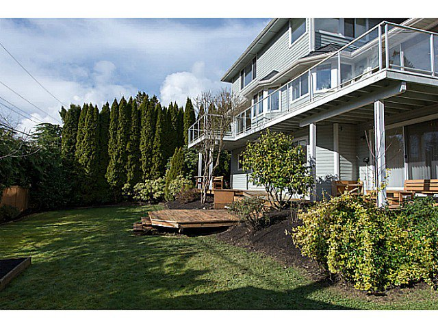 Photo 10: Photos: 929 MELBOURNE AV in North Vancouver: Capilano Highlands House for sale : MLS®# V991503