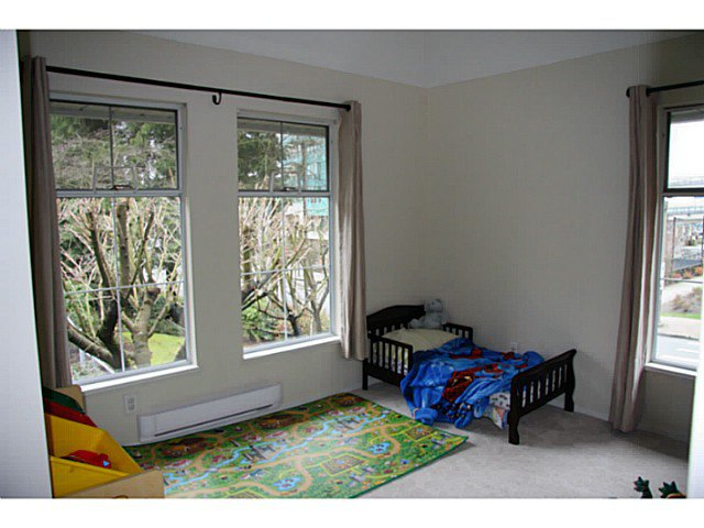 """Photo 6: Photos: 207 1154 WESTWOOD Street in Coquitlam: North Coquitlam Condo for sale in """"EMERALD COURT"""" : MLS®# V1054743"""