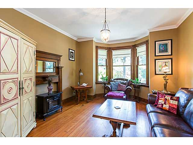 """Photo 4: Photos: 321 QUEENS Avenue in New Westminster: Queens Park House for sale in """"QUEEN'S PARK"""" : MLS®# V1131865"""