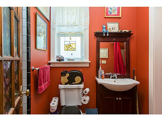 """Photo 9: Photos: 321 QUEENS Avenue in New Westminster: Queens Park House for sale in """"QUEEN'S PARK"""" : MLS®# V1131865"""