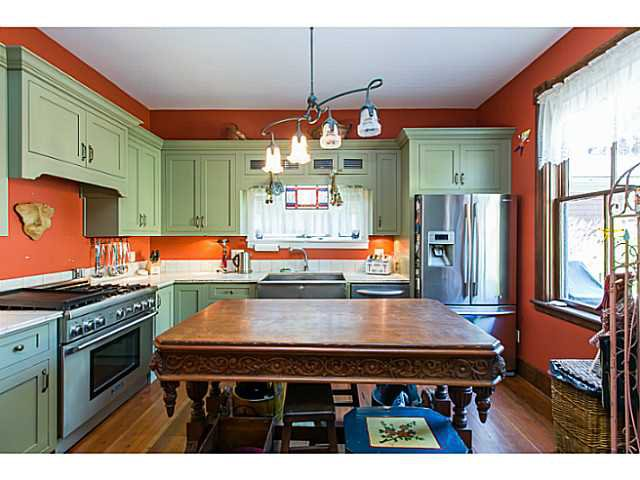 """Photo 6: Photos: 321 QUEENS Avenue in New Westminster: Queens Park House for sale in """"QUEEN'S PARK"""" : MLS®# V1131865"""