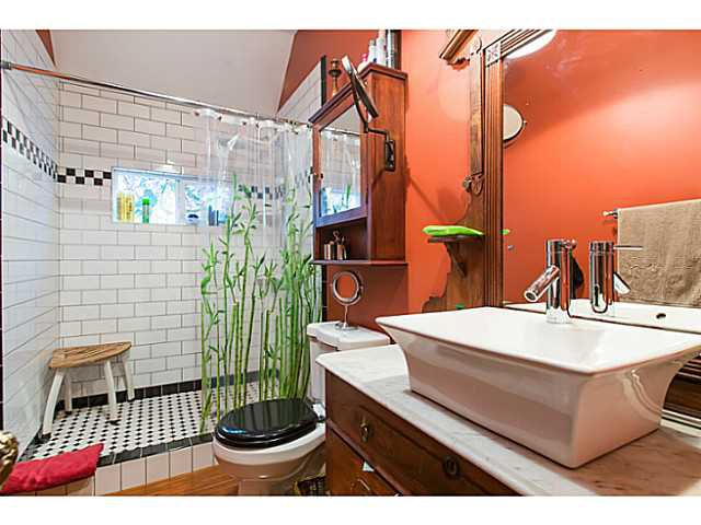 """Photo 13: Photos: 321 QUEENS Avenue in New Westminster: Queens Park House for sale in """"QUEEN'S PARK"""" : MLS®# V1131865"""