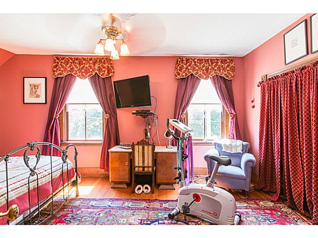 """Photo 12: Photos: 321 QUEENS Avenue in New Westminster: Queens Park House for sale in """"QUEEN'S PARK"""" : MLS®# V1131865"""