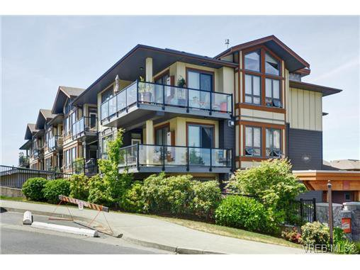 Main Photo: 405 3226 Jacklin Rd in VICTORIA: La Walfred Condo Apartment for sale (Langford)  : MLS®# 731505
