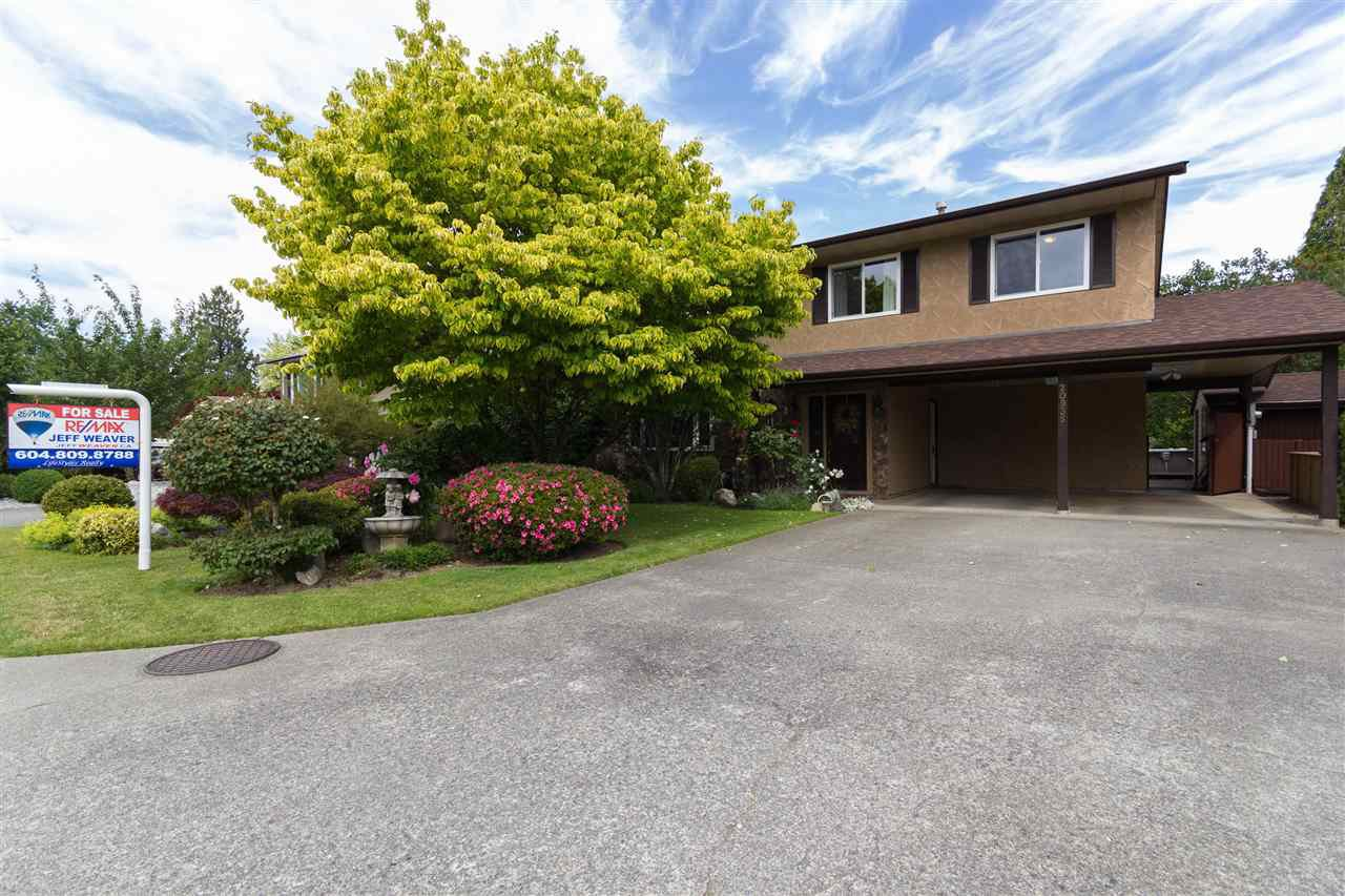 Main Photo: 20935 COOK Avenue in Maple Ridge: Southwest Maple Ridge House for sale : MLS®# R2077369