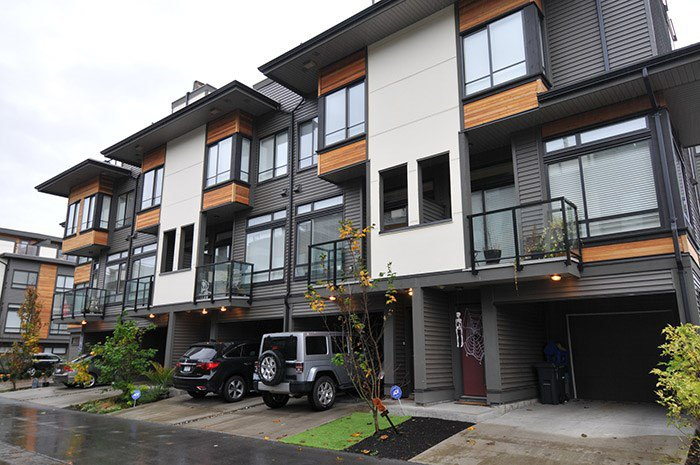 "Main Photo: 81 7811 209 Street in Langley: Willoughby Heights Townhouse for sale in ""EXCHANGE"" : MLS®# R2121302"