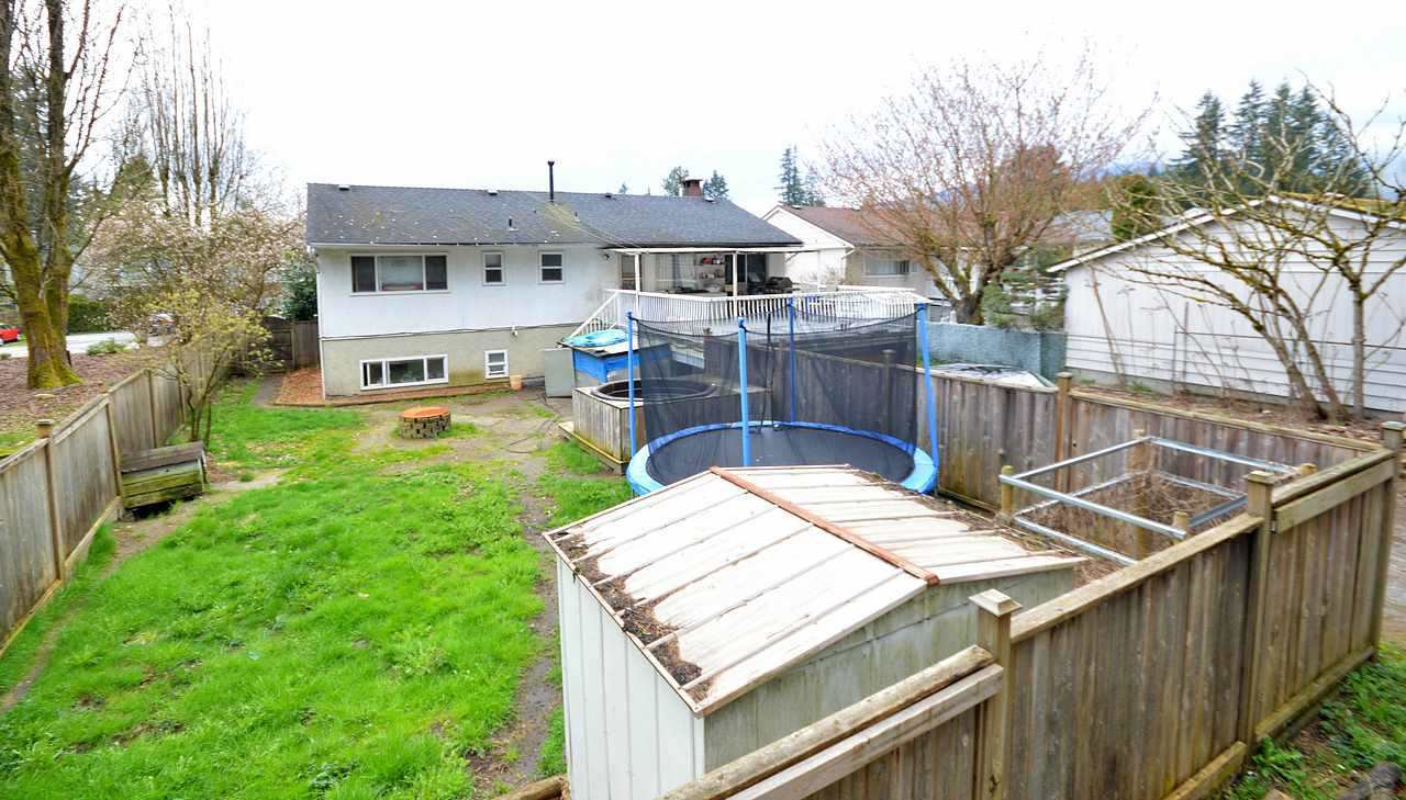 Photo 5: Photos: 3342 LIVERPOOL Street in Port Coquitlam: Glenwood PQ House for sale : MLS®# R2157294