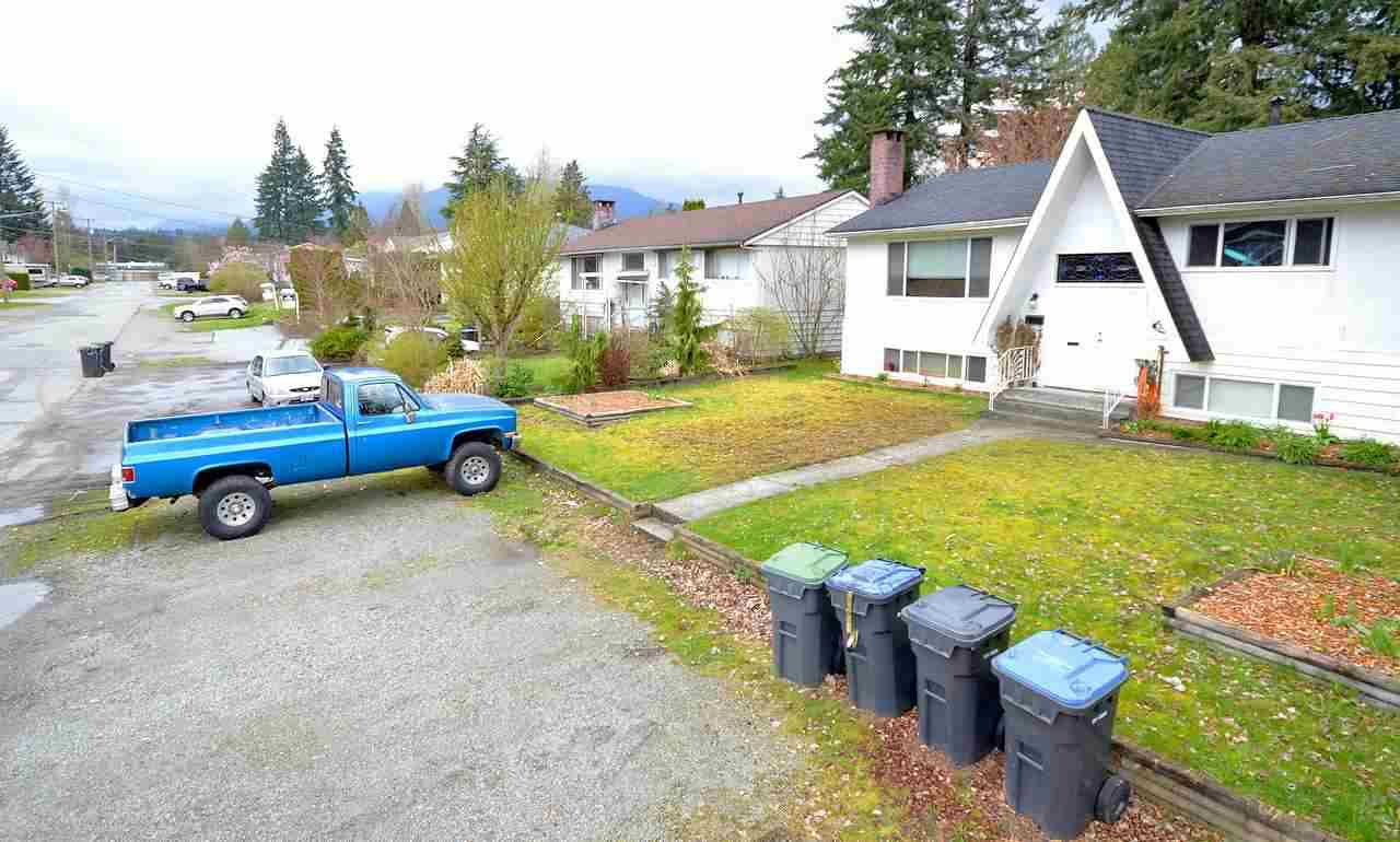 Photo 3: Photos: 3342 LIVERPOOL Street in Port Coquitlam: Glenwood PQ House for sale : MLS®# R2157294