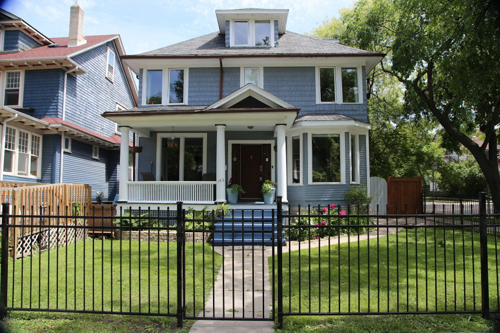 Photo 1: Photos: 145 Canora Street in Winnipeg: Wolseley Single Family Detached for sale (5B)  : MLS®# 1716861