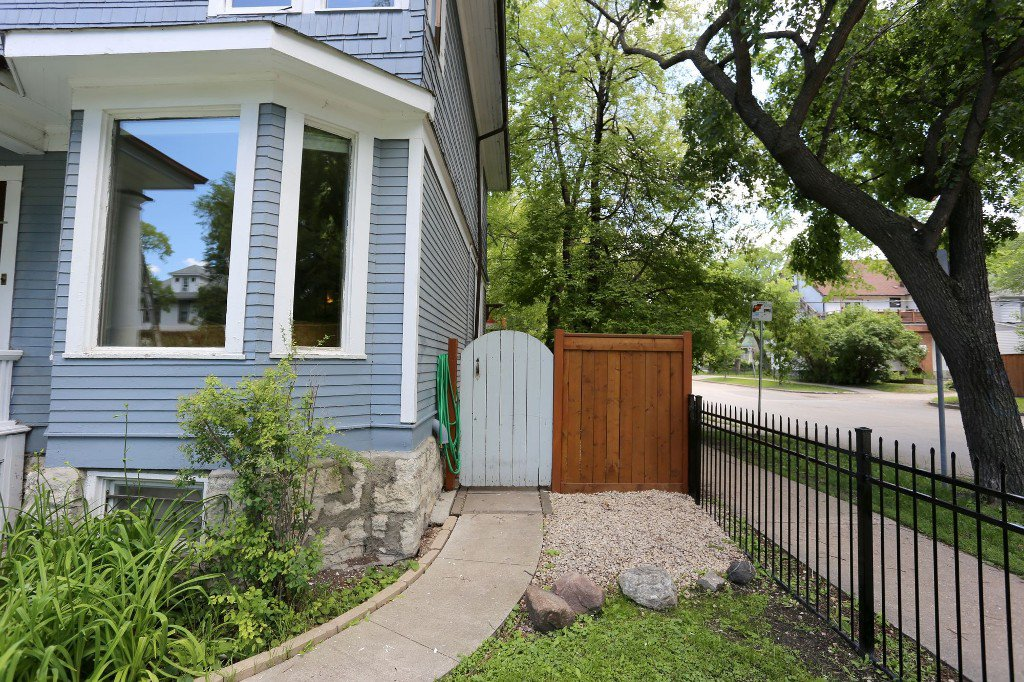 Photo 28: Photos: 145 Canora Street in Winnipeg: Wolseley Single Family Detached for sale (5B)  : MLS®# 1716861