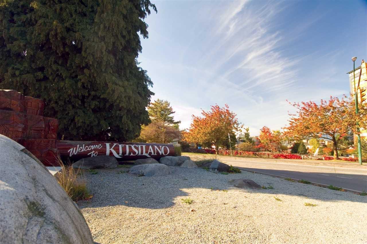 "Main Photo: 105 2335 YORK Avenue in Vancouver: Kitsilano Condo for sale in ""YORKDALE VILLA"" (Vancouver West)  : MLS®# R2215040"
